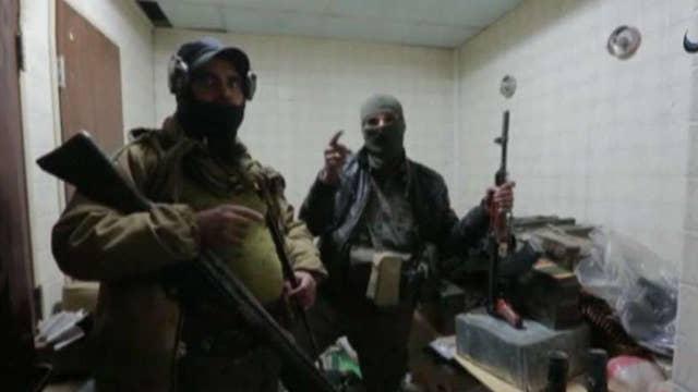 US officials warn ISIS and Al Qaeda remain global threats