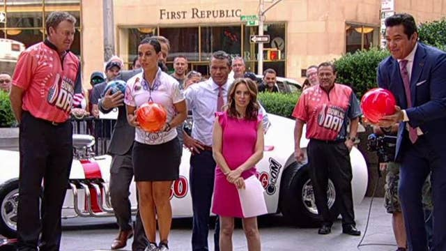 'Fox & Friends' get tips from professional bowlers thumbnail