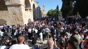 Raw video: Muslims clash with Israeli police at Jerusalem holy site