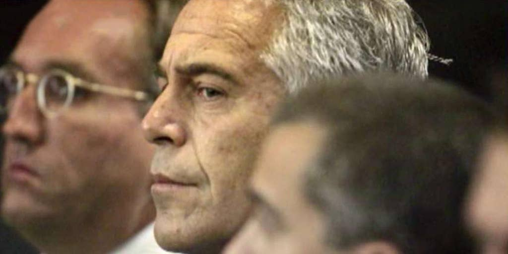 Jeffrey Epstein autopsy reveals broken bones in neck, cause of death pending: report