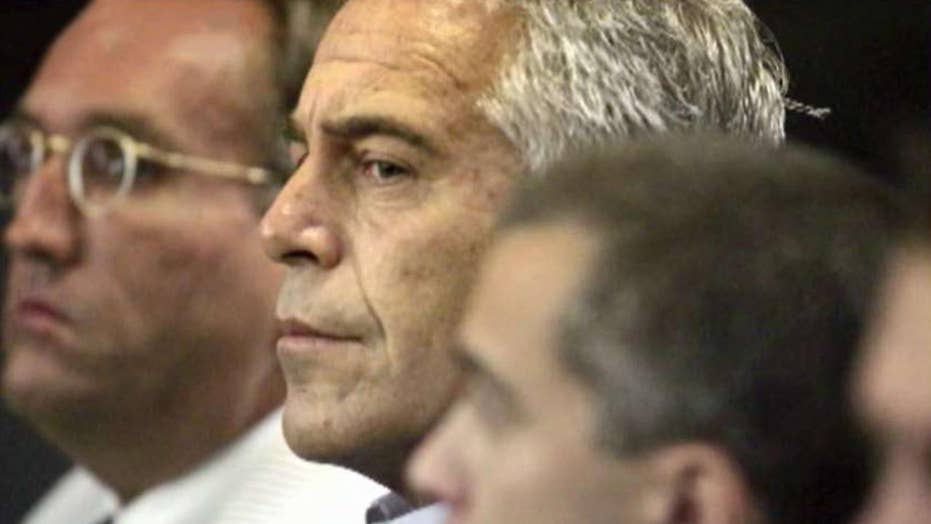 Westlake Legal Group 694940094001_6073044558001_6073040978001-vs Jeffrey Epstein autopsy reveals broken bones in neck, cause of death pending: report fox-news/us/crime/sex-crimes fox-news/travel/vacation-destinations/new-york-city fox-news/person/jeffrey-epstein fox news fnc/us fnc Brie Stimson article 07c65c66-fd5b-5534-872e-5c98fec58edc