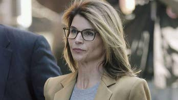 Lori Loughlin, Mossimo Giannulliindicted on new federal charges in college admissions scandal