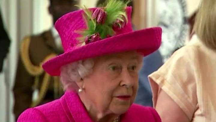 Queen Elizabeth approves PM Boris Johnson's request to suspend Parliament amid growing Brexit crisis