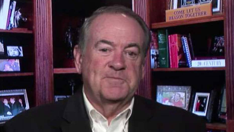 Mike Huckabee says Democrats are trying to demonize law enforcement officials on the border