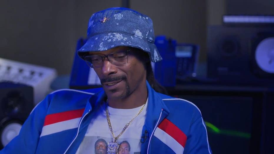 Rap legend Snoop Dogg discusses unlikely friendship with NFL