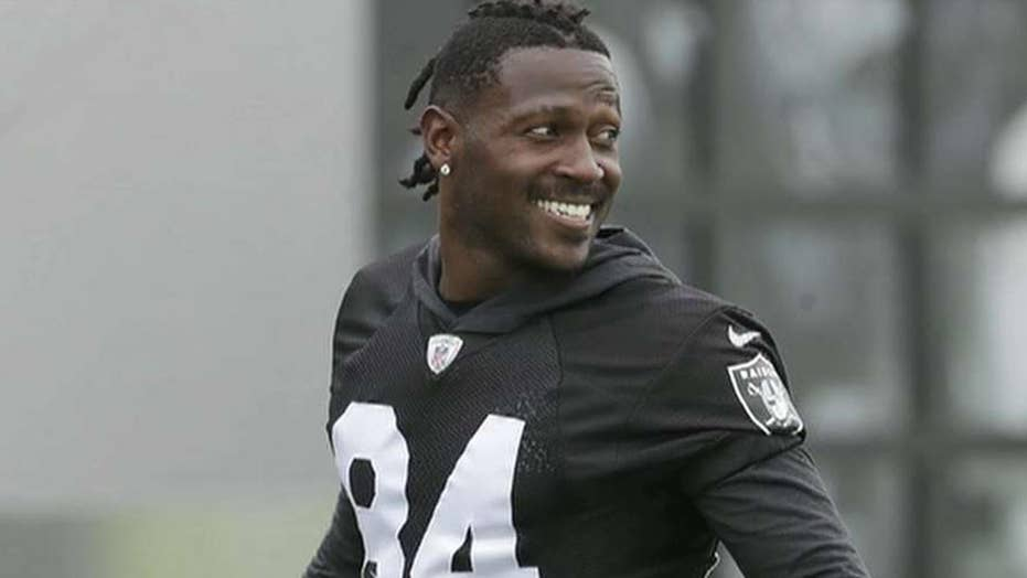 New England Patriots sign Antonio Brown