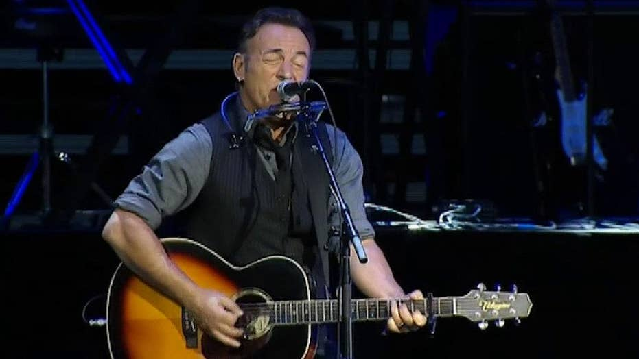 Bruce Springsteen and Jon Stewart team up for great cause