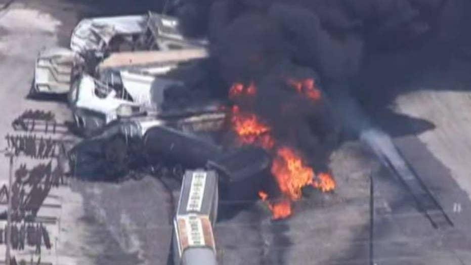 Illinois train derailment sparks massive fire