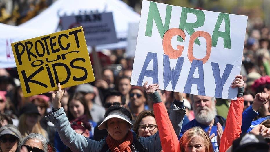 Poll: 1 in 4 Democrats want to ban NRA memberships