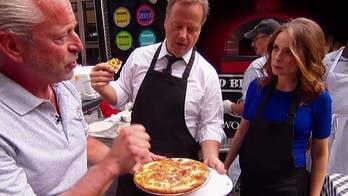 'Fox & Friends' hosts make breakfast pizza!