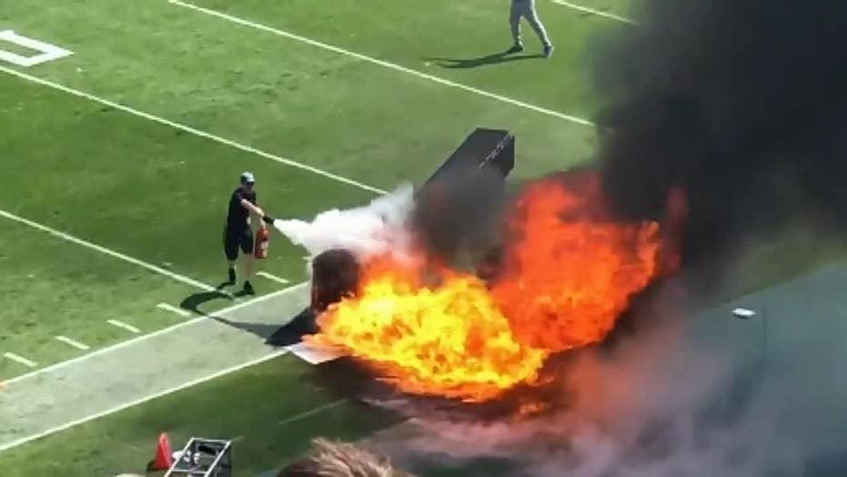星期天,泰坦队在田纳西州纳什维尔的日产体育场举行的主场揭幕战赛期间火灾引发了火花。