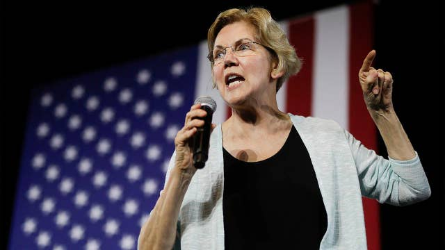 Elizabeth Warren rallies supporters in New York City