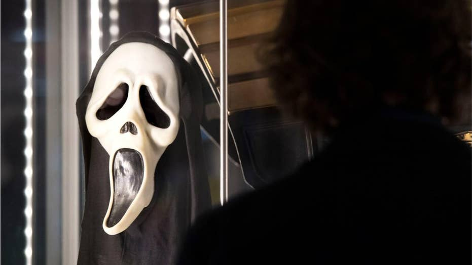 Cops: Chicago woman wore 'Scream' mask as she repeatedly stabbed female victim