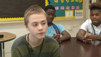 Tennessee students help classmate bullied for wearing same clothes