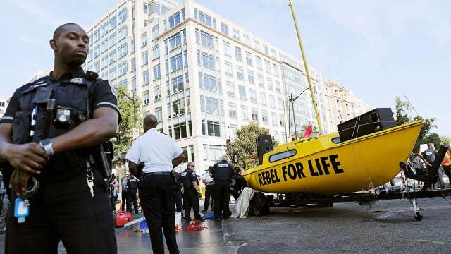 Climate activists begin disrupting traffic in Washington in plan to 'shut down DC'