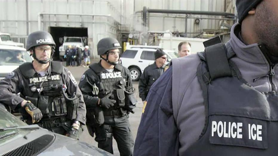 Fox News obtains internal Chicago Police Department memo telling officers to not aid DHS in certain situations