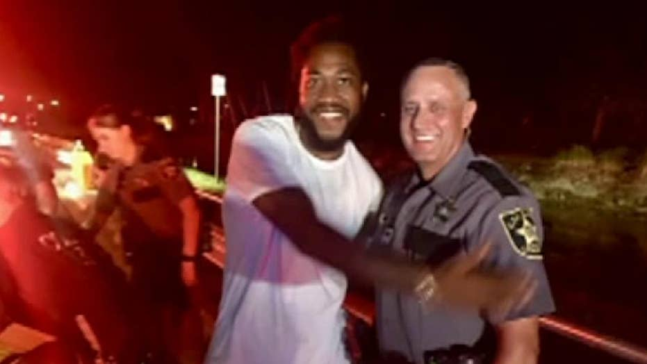 Raw video: Florida deputy helps deliver baby on the side of the road