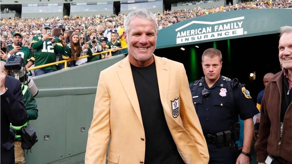 Brett Favre offers advice to Buffalo Bills' Josh Allen after quarterback took brutal blow to head