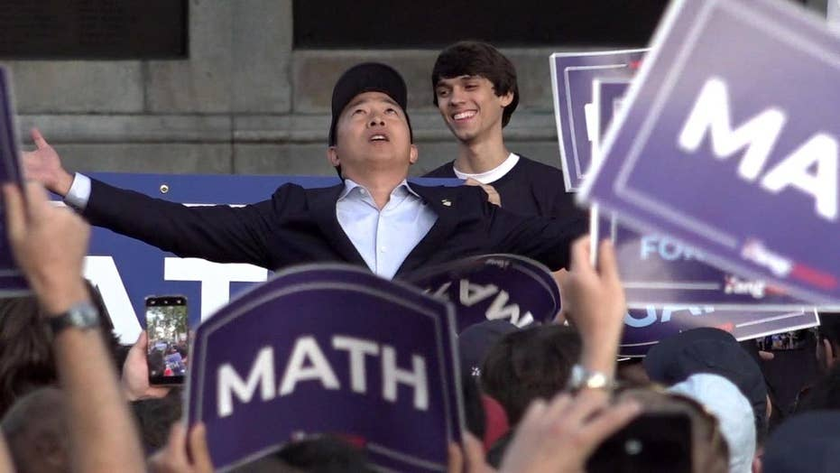 Andrew Yang trying to 'peel off' Trump supporters, woo them to 'Yang gang'