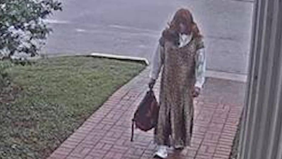 Police chase down man who allegedly dressed as a woman to rob a bank