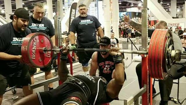 Airman sets world record with 551-pound bench press