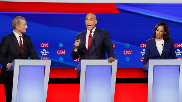 2020 Democratic candidates slam President Trump's removal of US troops from Syria