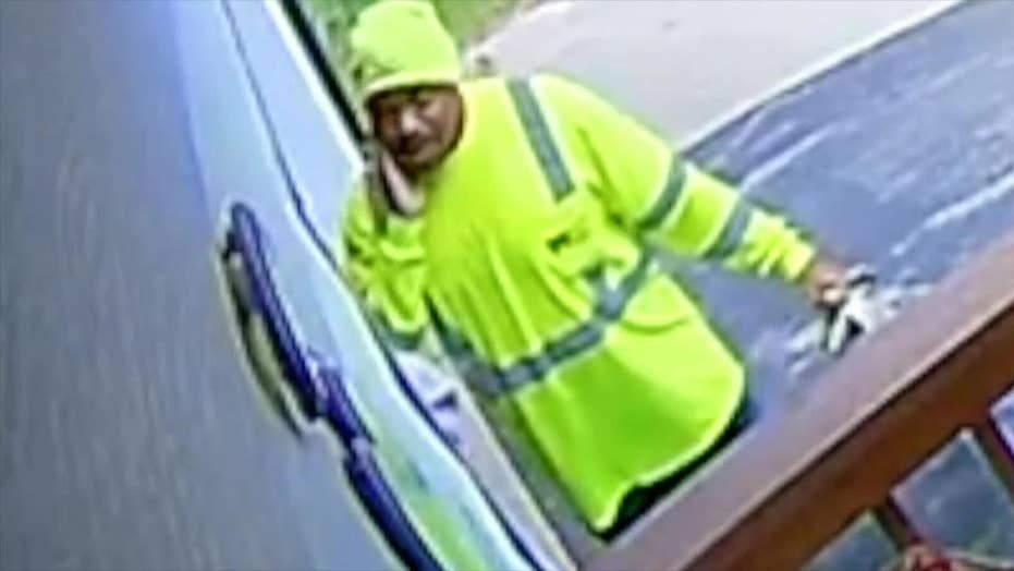 Sanitation worker caught on camera going out of his way to help 88-year-old Missouri woman