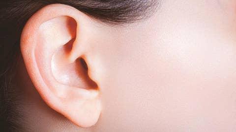 Woman's disorder lets her hear own heartbeat inside ear