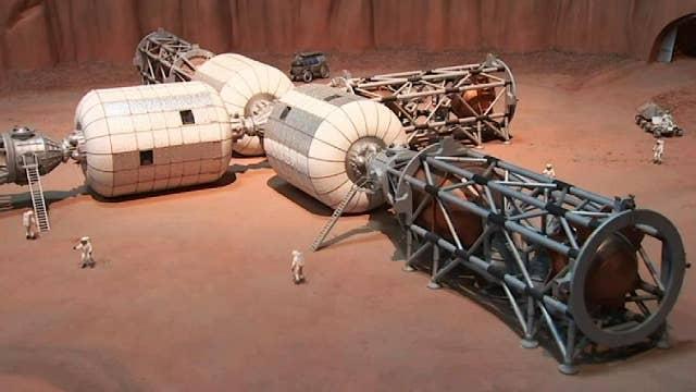 NASA tests models for lunar gateway outpost