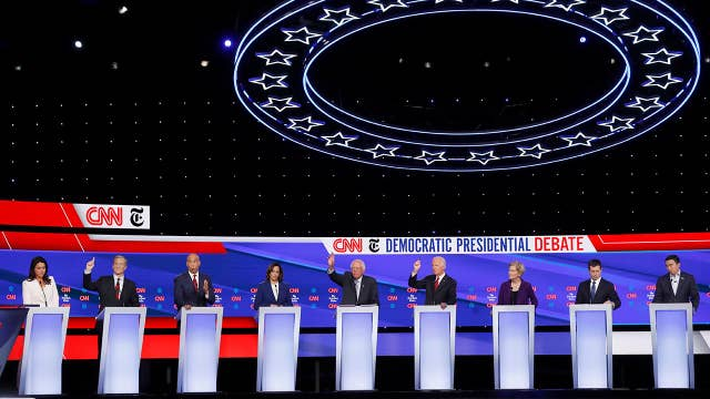 Impeachment inquiry overshadows Democratic presidential debate