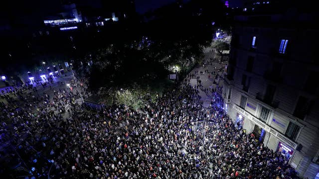 Barcelona's mayor calls for calm after a fifth consecutive night of separatist violence