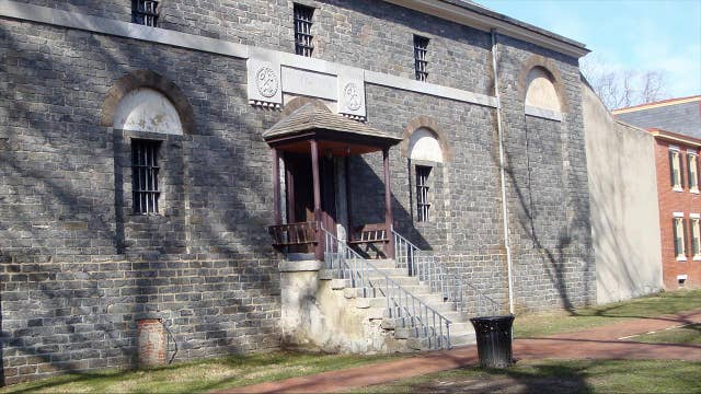 Halloween scaremony: Couple ties knot at haunted prison