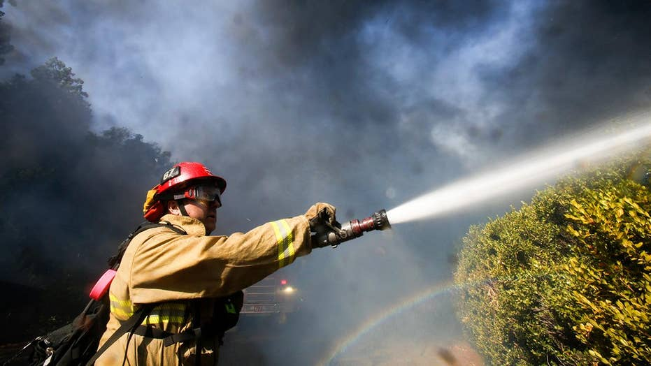 Fire crews save Ronald Reagan Presidential Library from fast-moving wildfire
