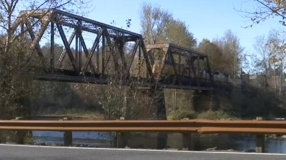 Teenager hit and killed by train in Oregon