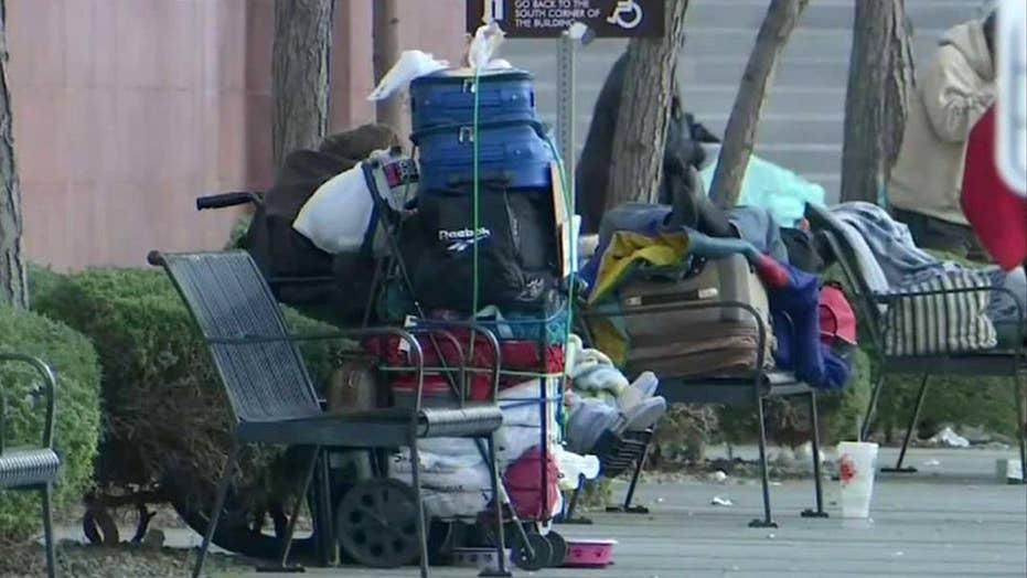 Las Vegas bans sleeping, camping on streets