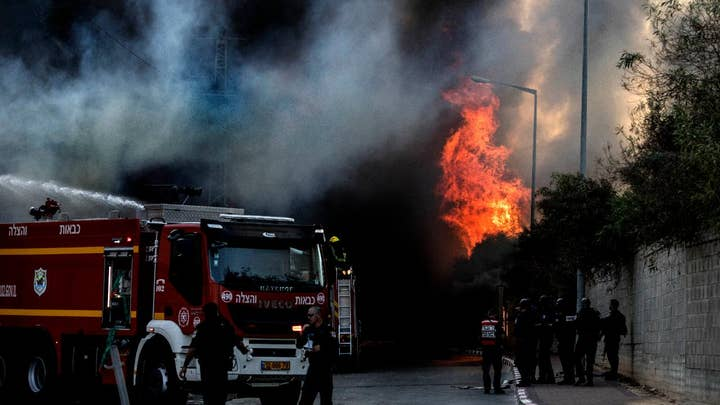 Israel hits targets in Gaza as rocket fire resumes