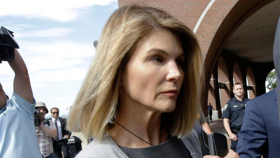 Lori Loughlin to be arraigned in college admissions scandal