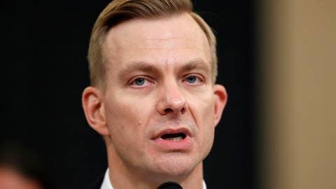 David Holmes details overheard call between Trump, Sondland on Ukraine investigation