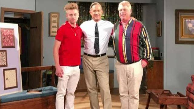 Fred Rogers Son Approves Of Tom Hanks Portrayal Of His Dad On Air Videos Fox News