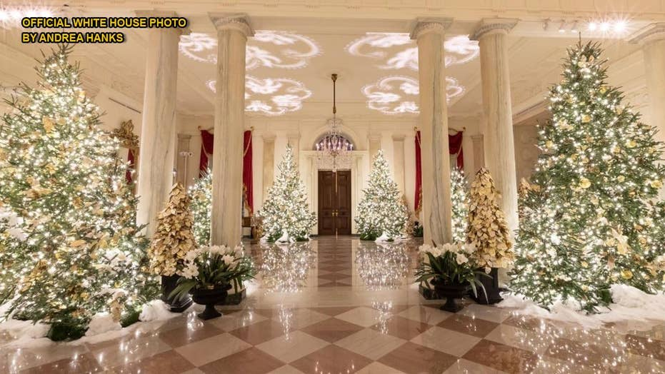 white house unveils christmas decor with spirit of america theme fox news white house unveils christmas decor