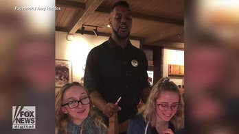 Singing Olive Garden waiter stuns 17-year-old twins with 'Happy Birthday' rendition