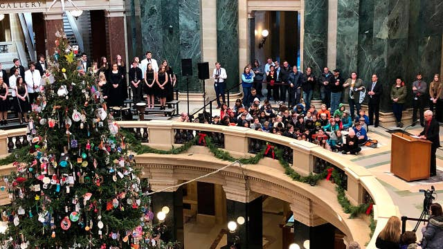 Controversy in Wisconsin over governor's 'holiday tree'