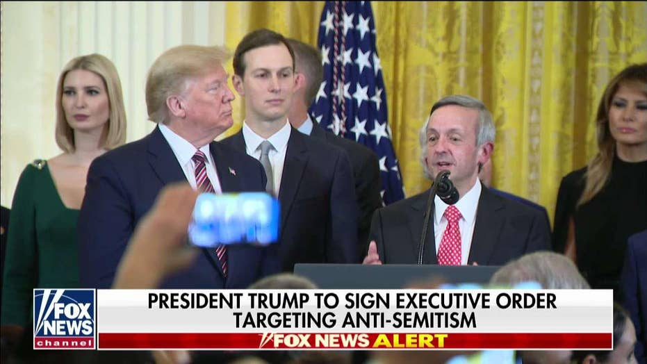 Robert Jeffress: President Trump is on the 'right side of God'