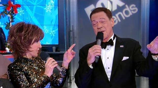 Joe Piscopo & Deana Martin sing 'Baby It's Cold Outside'