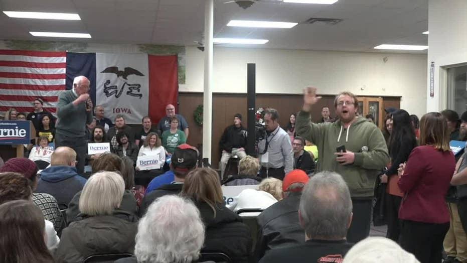 Trump supporter disrupts Bernie Sanders rally