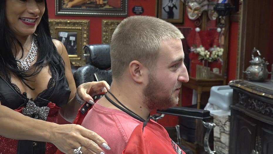 One Miami barbershop is inspiring some holiday cheer