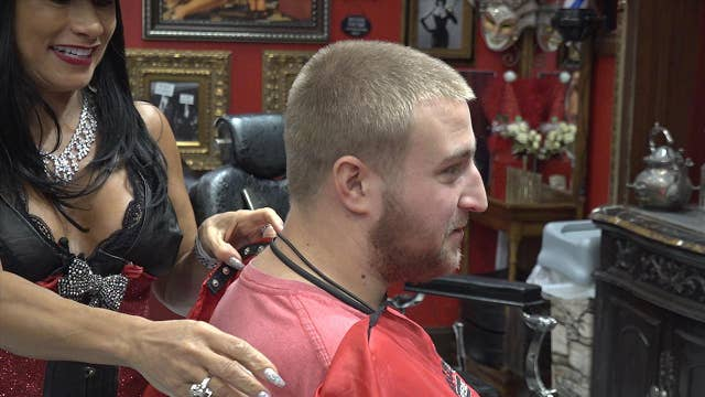Miami barbershop gives free haircuts to the homeless for Christmas