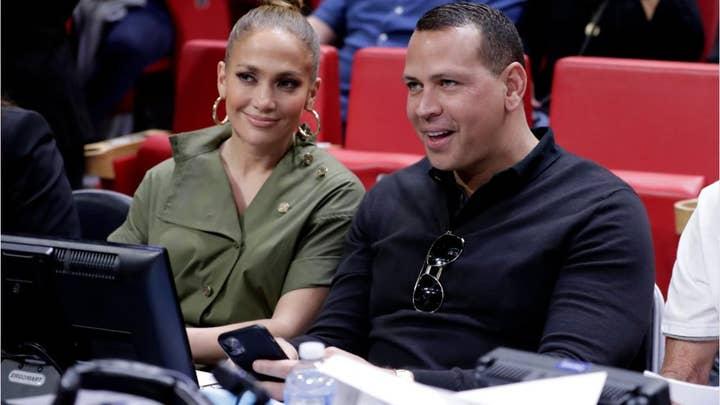 Alex Rodriguez appears alongside Jennifer Lopez, dance crew in Super Bowl rehearsal video