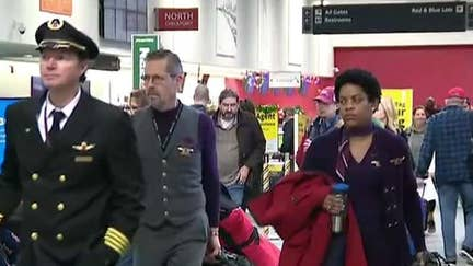 Holiday travel running smoothly at Chicago O'Hare International Airport