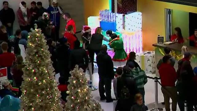 US holiday sales record gives retailers a boost